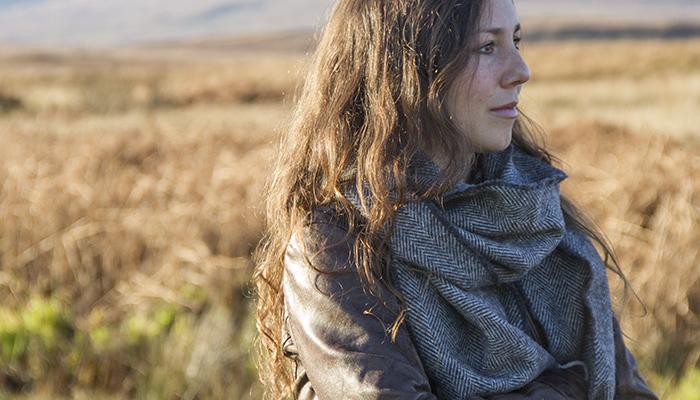 grey-scarf-io-b