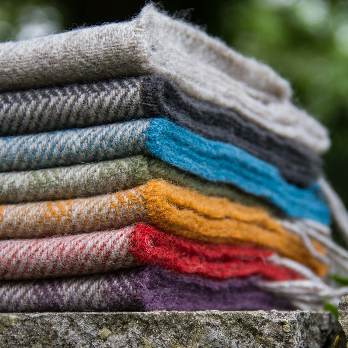 Skye Websites, Laura's Loom, project overview, Scarves